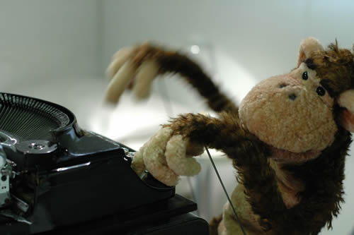 monkey puppet blogger sfruttao