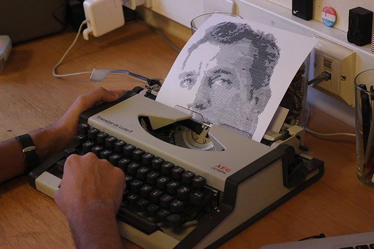 Typewritten Portraits di Álvaro Franca