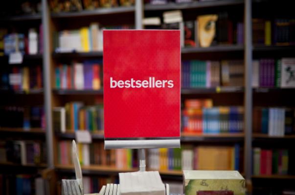Bestseller e classici nelle librerie di catena e indipendenti