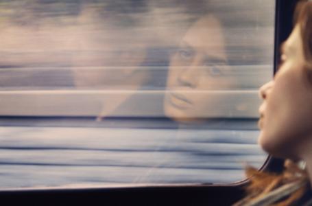 Anteprima La ragazza del treno: come perdere il treno e fare un pessimo film