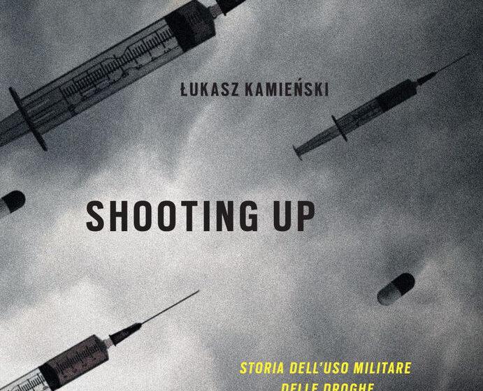 SHOOTING UP di Lukasz Kamienski, traduzione di Chiara Buffa, Utet,
