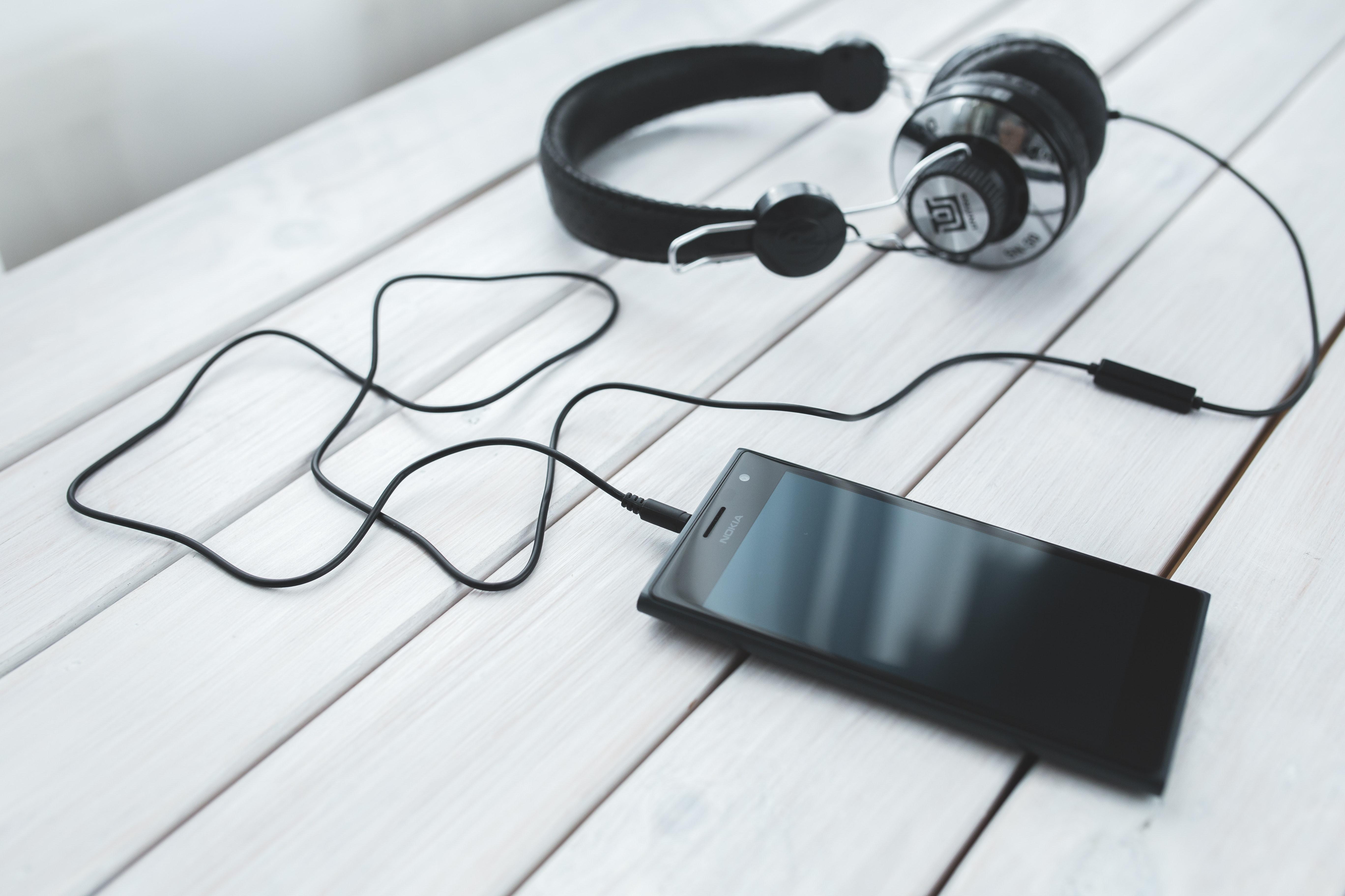 Audiolibri: Audible e DeA Planeta Libri