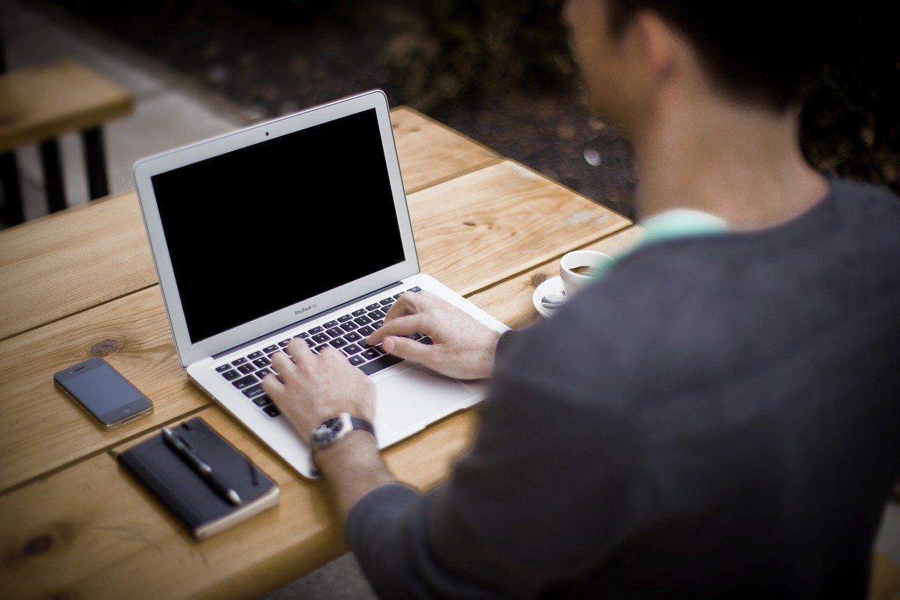 Agente letterario, editor, scout: chi sono e cosa fanno?